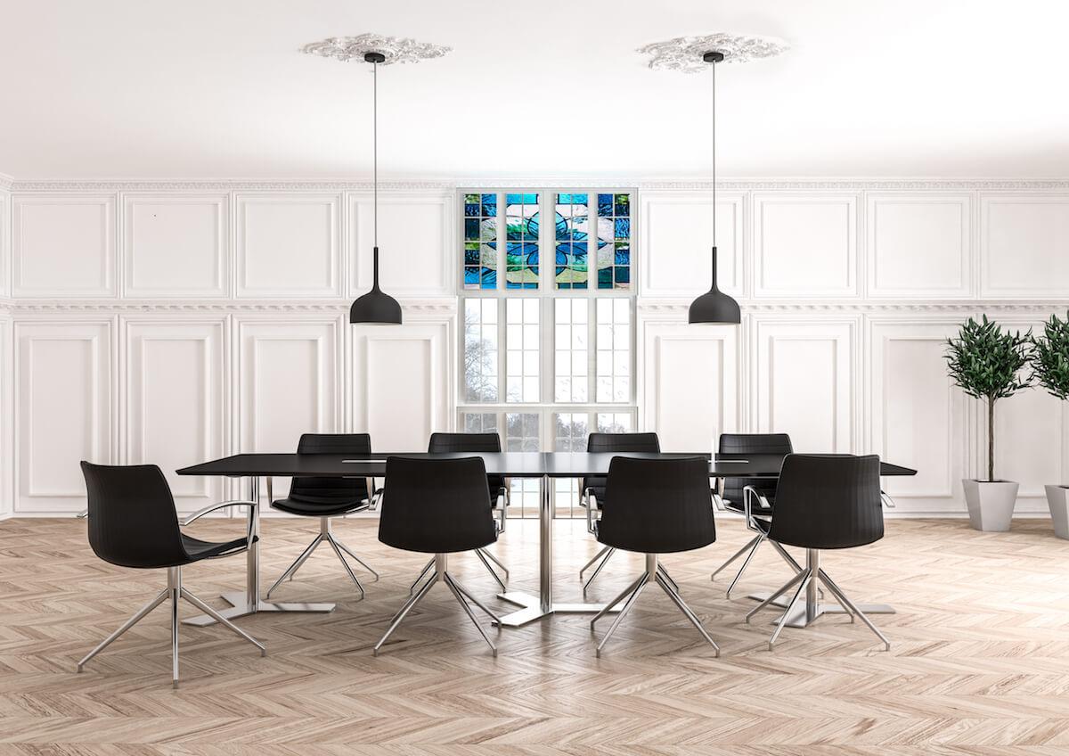 Klassisk Mødelokale Med Dencon Møbler